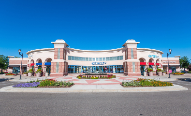 Center-Shops-front_center